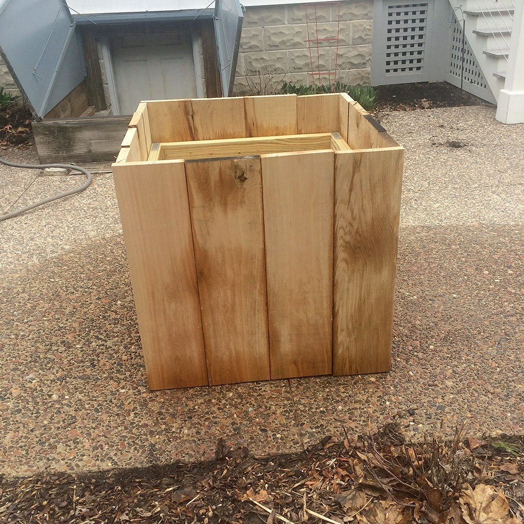 The Impatient Gardener -- DIY oak planter