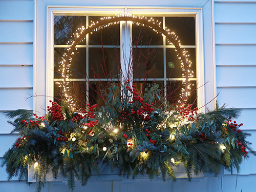Lighted Christmas container