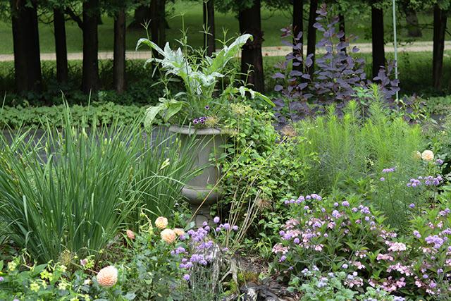 urn in garden