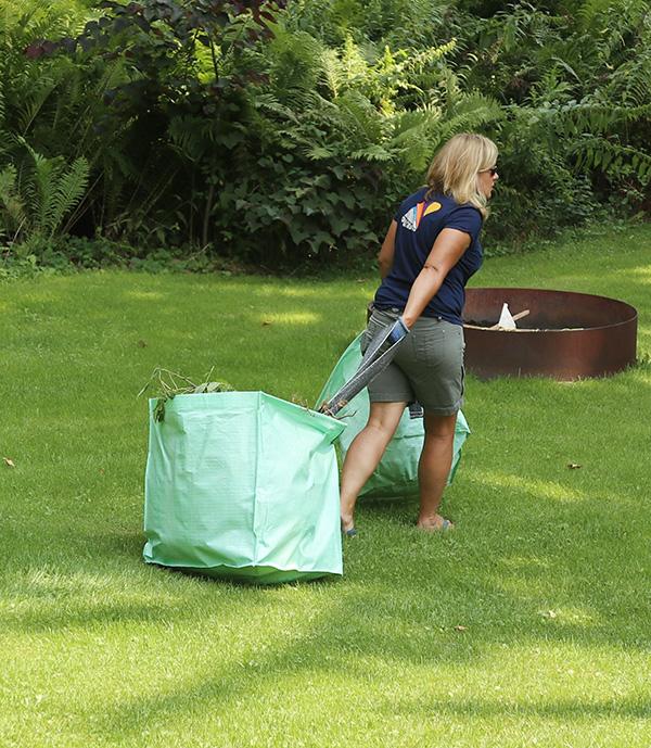 garden clean up bags