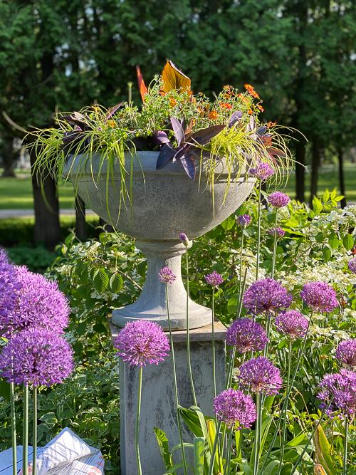 container gardener urn