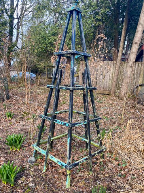 bad paint job obelisk