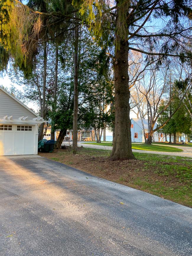 abutting driveways